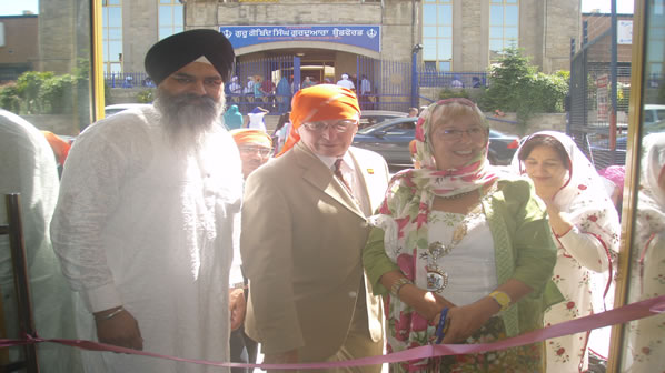 New Punjabi School - Cutting the ribon